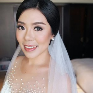 Soft Glowing Makeup (by request) for @zerozerome Holly Matrimony  Makeup by @shelleymuc  HairDo by @wendywidiarusso  Gown and veil by @hendywijaya.official  Organized by @defavour_eventorganizer  Venue @vasahotelsurabaya  #makeup #beauty #shelleymuc #surabaya #makeupartist #mua #shelleymakeupcreation #beforeafter #clozetteID #makeover #muasurabaya #muaindonesia #hairdo #soft #softmakeup #beautifulgirl #softsmokey #glammakeup #glamourmakeup #makeupartistsurabaya #surabayamakeupartist #airbrushmakeup #airbrushmakeupsurabaya #bride #surabayawedding #bridal #bridalmakeup #ronaldfebrinawedding