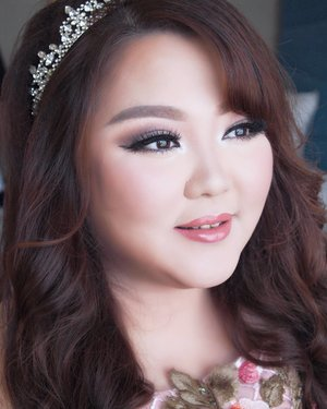 Engagement Makeup for @karinz_kezzy #jesskarin #jesseleekarin  Makeup by @shelleymuc @shelleyssebastian  HairDo by @nandazaenal  #makeup #beauty #shelleymuc #surabaya #makeupartist #mua #shelleymakeupcreation #beforeafter #clozetteID #makeover #muasurabaya #muaindonesia #hairdo #soft #softmakeup #beautifulgirl #softsmokey #glammakeup #glamourmakeup #makeupartistsurabaya #surabayamakeupartist #correctivemakeup #engagement #engagementmakeup #tingjing #tingjingmakeup