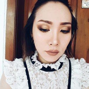 And.. one more because I really love my eyeshadow today. Have a blast today folks, happy new year 2017! • • • • • • • • • • #clozetteid #clozette #motd #potd #makeupoftheday #faceoftheday #makeupmania #makeupjunkie #makeupporn #makeupaddict #makeuplover #momblogger #momblog #bloggermom #makeupdolls #wakeupandmakeup #ilovemakeup #indobeautygram #indonesianbeautyblogger #beautyaddict #beautyblogger #styleblogger #makeuplook #mommyblogger #makeuptalk #hypebeast #fotd #lotd