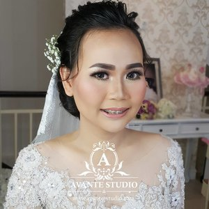 Morning Wedding Makeup for Ms Lendi with airbrush . . . #softmakeup #fotd #makeup #potd #eotd  #wakeupandmakeup #muajakarta #latepost #smokylook #undiscovered_muas #beautybloggerindonesia #indobeautygram #motd #motdindo #makeupartistbekasi #beautygram  #clozette #maryammaquillage  #muabekasi #beautyjunkie #clozetteid  #vegas_nay #bblog #fdbeauty  #beautybloggerid #dressyourface  #muajakarta #like #bridalmakeup #makeupartistjakarta