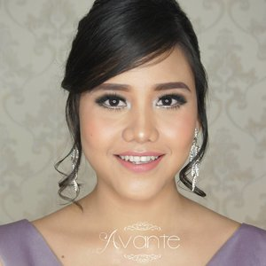 Makeup and hairdo by me for my pretty client @svoytruffle . . . . . . . #softmakeup #fotd #makeup #potd #eotd  #wakeupandmakeup #mua #latepost #smokylook #undiscovered_muas #bridal #indobeautygram #motd #motdindo #clozetter #beautygram  #clozette #maryammaquillage  #makeuplover  #beautyjunkie #clozetteid  #vegas_nay #bblog #fdbeauty  #beautybloggerid #dressyourface  #like4like #like #bridalmakeup #weddingmakeup