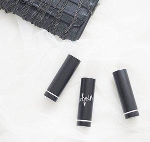 Gonna swatch these lipstick soon on my blog  @makeupforeverid . . . . . . . #beauty #beautyjunkie #blogger #bblogger #beautyblogger #clozette #clozetteid #clozetter  #makeupforever #lipjunkie #indonesiabeautyblogger #beautybloggerindonesia #fdbeauty #potd #picoftheday #instadaily #bblog #flatlay #flatlays #lipstick #makeup #like #like4like #likeforlike #indobeautygram #artistrougelipstick #makeupgeek #swag #beautyblog #instabeauty