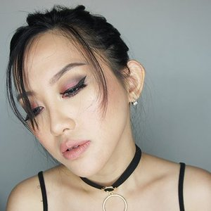 Sexy look for valentine? Why not! You can also try this kind of copper red smoky makeuplook  Full tutorial is on my youtube channel (link is on my bio) . . . . . . . . .  #fotd#makeup#potd#eotd #wakeupandmakeup #beautyvlogger #beautyblogger #beautybloggerindonesia #smokylook#undiscovered_muas #selfie #indobeautygram#motd#motdindo #clozetter #beautygram#clozette #maryammaquillage #makeuplover #beautyjunkie #clozetteid #vegas_nay #bblog #fdbeauty #beautybloggerid #dressyourface #like4like #like #sephoraidnbeautyinfluencer #youtuber