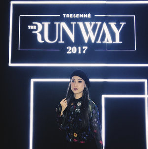 #Throwback Event #TRESemmeRunway. Still can't move on from the excitement at the event! Make sure my hair look good as #RunwayReadyHair is a must! And never forget to take a picture with my Black Glam #OOTD  Once again, Congratulation for the new TRESemmé Digital Face 2018 and see you on TRESemmé Runway next year! Girls, prepare your self! #TRESemmeSquad #CottonInkxTRESemme