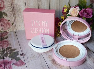 Yaay, akhirnya punya juga bb cushion yang warnanya match sama skintone.. ini DIY bb cushion, step by step dan apa aja yang dibutuhin bisa cek di blog. Kalau cushion case-nya saya beli di @shopee_id , search aja cushion case, banyak kok seller yang jual di shopee..harganya juga cukup murah.. #makeup #makeupaddict #makeupjunkie #makeupobsessed #makeupporn #makeupcollection #instamakep #dailymakeup #makeuporganization #blogger #beautyblogger #indonesianbeautyblogger #beauty #instabeauty #blush #blushon #highlighter #bronzer #lipstick #lipstickaddict #lotd #lipstickcollection #motd #makeupoftheday #fotd #bbcushion #makeuplover #makeupmafia #ilovemakeup #clozetteid