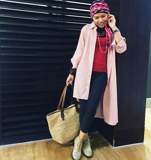 Be creative and you'll be stylish. Pink outer from @houseofardhita that used to be loose top, mixed with skinny pants and girlie boots, I add traditional fabrics from east Indonesia given by @satyawinnie as bracelets and braid ed bags from Jogja. Head scarf found in Bali#OOTD #instafashion #hotd #clozetteID #fashion #style #adorableOOTD