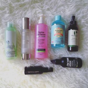 Not feeling so good today since yesterday, but still managed to do a quick round up of all the toners I'm currently using right now. I use these toners in turns, depending on my skin condition. I still have a few toners in my stock drawer that I'm not currently using but occasiobally I would use them too if I got bored with my current toners 😜 Who else love toners ? ✌🏻....#facetoner #skincareroutine #skincareblogger #skincareaddict #skincarediary #skincaregram #skincarelove #skindiary #instablogger #clozetteid