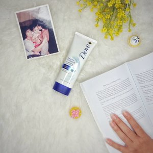 Tried and tested: @dove beauty moisture conditioning facial cleanser for better moisture & smoother skin texture.Cleanser ini lembut banget & gak bikin wajah berasa ketarik setelah dibilas. For better use, always create foam and tap it onto your face.#DoveIDN #WajahMuIstimewa #DoveXClozetteDiversi3 #ClozetteIDReview #ClozetteID