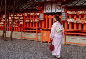 Kimono is a traditional Japanese clothing that took around 30 minutes to be used, it's intriquing yet delicate. .This is the simple form and consist only one layer, there's other style and patterns for two and three layers depends on the seasons and occasion. .Today, I'm using a sakura tone and details to welcome the seasons of flowers here in Kyoto. Another bucket list checked 🌸.#kimono #kyoto #fushimiinari #travel #bucketlist #culture #heritage #lotd #motd #ootd #Clozetteid #blogger #letsgo #Japan #spring2018 #flowers #cherryblossom #sakura
