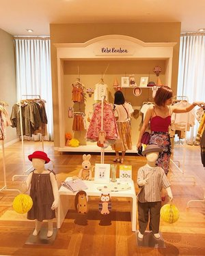 beautiful @bebebonbon.id counter in Galleries Lafayette PP... love the simple stylish outfit they have... only, i have no kid at the moment 🤣 come and shop ! #bebebonbon #kidsclothing #kiddies #shop #clozetteid