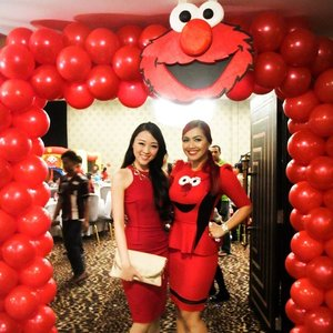 She is my big sis, my mentor, my role model, kak @denadaindonesia :) im so happy i can met her yesterday on her daughter #ShakiraAurum 's 2nd birthday.. PS : you must see shakira's cute Elmo outfit!  #red #redpoppy #dressy #redlovers #elmo #elmolovers #birthdayparty #clozetteambassador #clozetteid #clozetteco #outfitoftheday #ootdindo #ootdindonesia #lookbook #Lookbookindonesia