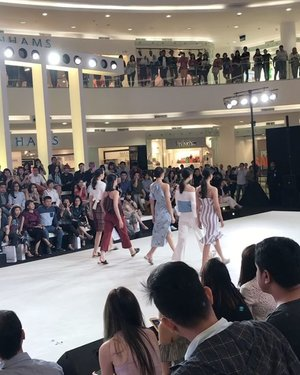 Good job @lovebonitoid @lovebonito #clozetteid #fashionshow #femaledaily #fdbeauty