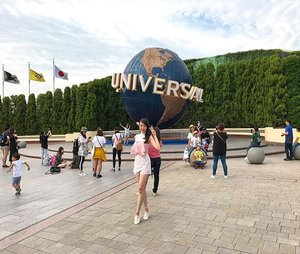 while i still have energy to pose hahaha... #universalstudio #universalstudioosaka #themepark #universal #sayaLB #LBootd #travel #travelling #traveller #travelstyle #pink #clozetteid