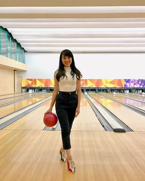 Yesterday activity 🎳🎳🎳 i was so excited and happy ❤️ i guess you can see it on my happy face 😀😀😀 🐧🐧#bowling #bowlingalley #bowlingfun #ootd #ootdindo #ootdasean #outfit #outfitoftheday #lookbook #lookbookindonesia #styles #style #doublewoot #doublewootootd #clozetteid #fashion #fashionstyle #casual #fashiongram #clozetteambassador
