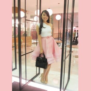 Think Pink ! Wearing this dress makes me feel si dreamy.. dont blame those disney princesses movie i love until now.. #linecamera #me #selfie #styles #style #styleicon #styleoftheday #stylish #girl #flounceskirt #princess #asiangirl #longhair #dressy #dress #fashion #fashionshow #fashionstyle #ootdindo #ootdasean #ootd #outfitoftheday #lookbook #lookbookindonesia #clozetteambassador #clozetteid #femaledaily #cosmoselfie