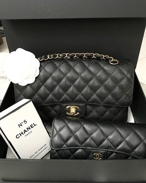 Black Chanel M/L Caviar Classic Flap With Gold Hardware.... Yes guys, this bag suddenly become my HG bag... I love this bag not just because its so versatile.. you can see me wearing it trough the most casual till the most dressed up outfit.. i can bring it to office, shopping, casual 'daytime' event, wedding party, you name it! and plus, caviar makes it very durable and keep the shape of your bag nicely... This bag will 'step up' your looks... No wonder we can see Victoria's Secret Angel @romeestrijd wearing her M/L classic flap everywhere! even to the gym can you believe? This bag suddenly stole my heart ❤️❤️❤️ The gold hardware makes it even more elegant.... #purse #purses #purseaddict #pursecollection #pursebop #purseboppicks #purseboppicksfamily #bagsoftpf #boppicks #purseforum #chanel #chanelbags #chanelclassicflap #chanelcollection #chanelclassic #classicflap #clozetteid #clozetteambassador