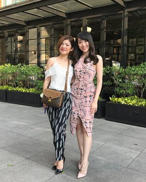 Another #AJTJ #AJTJinaction meet up, wearing our favorite brand @lovebonitoid @lovebonito but with a different style, AJ is always with her Japanese street style, and i, always with my dress (i know im boring 😀😀) #style #styles #styleoftheday #ootd #ootdindo #outfit #ootdasean #ootdfashion #lookbook #lookbooklookbook #lookbookindonesia #indonesiabeautyblogger #beautyblogger #fashionstyle #sayaLB #LBootd #lovebonito #clozetteid #clozetteambassador #fdbeauty #femaledaily #throwbackthursday