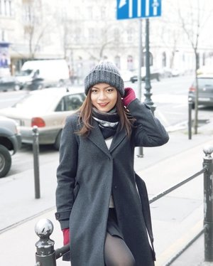 Coat: InWearHat: MagasinGloves: MGM#OOTD #WinterOutfit #Clozetter #ClozetteID