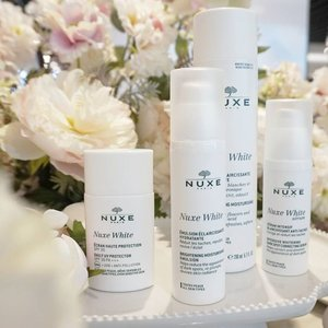 Wohoo! Nuxe White is finally at @sephoraidn 😍 . Nuxe White is formulated for all women of all ages and all skin types. With the power of the three high performing flowers: Porcelain Rose, White Crocus, Stargazer Lily and stabilised Vitamin C, the Nuxe White range can help women achieve exceptional skin brightening results by making the skin more transparent, luminous and reduce the appearance of dark spots. . So if you want a brighter skin, less appearace of darkspot and looking luminous, dont forget to try Nuxe White range 😍😍😍 . Available at @sephoraidn store of course ❤🎉 . . . @nuxeindonesia #sephoraidn #PWAIndonesia #sephora #lfl #likeforlike #l4l #20likes #SephoraIDNBeautyInfluencer #blogger #beautyblogger #influencer #beautyinfluencer #clozetteid #newproduct #launching #fdbeauty #nuxe #nuxeindonesia #nuxewhite #skincare #white