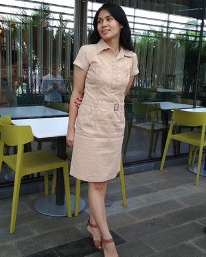 Yesterday, all my trouble seems so far away! . I bought this dress more than 10 years ago. I've learn to become minimalist, only buy the things that I really need in years .. I only buy 1 new clothes near Chinese New Year, and that's it for entire year and I proud of myself! Kalaupun perlu banget, berusaha cari preloved item dari orang yg saya kenal atau cari barang sale yang harganya di bawah Rp99ribu. ... #theminimalist #ClozetteID #wardrobe #UnileverXLimitlessCampus #fashion #style #wayoflife #feedyourmind #GlobalGoals #GlobalCitizen #dress #outfit