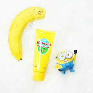 Another review on my blog!The super affordable banananana~ hand cream from @apieu_cosmetics !Full review >> www.wonderfullyn.com....#handcream #apieu #banana #lynekbeauty #lynebeauty #wonderfullyn #clozetteid #clozetteambassador