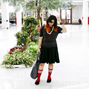 Black, still my fave color. With kinda vintage red #highsocks.  Main bola kita? . . . #ootd #ootdindo #fashion #ClozetteID #clozetter #Clozette #black #ombrehair #ombreorangehair #blogger #outfitoftheday
