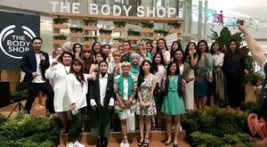 Thank you for having me! Glad to learn new makeup technique called ~ Nontouring with pretty Clozetters.  @thebodyshopindo @clozetteid #cleanandbold #thebodyshopearthhour #tbsxclozetteid #clozetteid