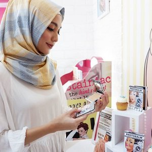 Yeayy.. Congrats for the new store @thebalmid @plaza_senayan I can't wait to try your new Photobalm Powder.. Look at those super cute packaging 😍😍😍 Thank you for having me @clozetteid x @thebalmid and stay tune on my blog 😘 📷 @kaniasafitrii #miradamayanti #youxthebalm #thebalmxclozetteidreview #ClozetteIDReview #ClozetteID #beautyblogger #blogger