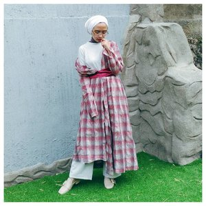 Never stop to listen and understand each other. It makes us stronger. Happy Independence Day Indonesia! @ilook_net  #merahputihstyle #lookoftheweek #clozetteid #hijabi #chictopia #starclozetter #RI72 #dirgahayuindonesia #abeautifulmess #acolorstory #abmlifeisbeautiful