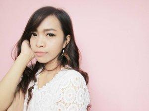 Enggak pede pakai nude lipstick kayak gini.. Not bad lah 😁  #clozetteid #clozettedaily #beauty #fotd #selfie #selcam #love #blogger #beautyblogger #blogger #asian #korea
