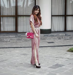 @avgal_collection jumpsuit def make my siluet more beautee ❤Love how turn out, and the color - pueerrfeeee''Still february, still valentine mood ~ play with your pink...,📷 @wulanwu ...#bloggerindonesia #lookbookindonesia #beautyguru #beautyvlogger #beautyblogger #clozetteid #bloggerstyle #fashionblogger #fashionstyle #fashionindo #indonesianbeautyblogger #indonesian_blogger #indonesiabeautyblogger #youtuber #youtubeasia #youtuberindonesia #clozetteambassador #beautyindonesia #indobeautygram#stylehaul #cgstreetstyle #ggreptrend