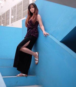 Say Hi to my slip pants and sexy VELVET top from @avgal_collection ...📷 @yusufhy_...#bloggerindonesia #lookbookindonesia #beautyguru #beautyvlogger #beautyblogger #clozetteid #bloggerstyle #fashionblogger #fashionstyle #fashionindo #indonesianbeautyblogger #indonesian_blogger #indonesiabeautyblogger #youtuber #youtubeasia #youtuberindonesia #clozetteambassador #beautyindonesia #indobeautygram#stylehaul  #lombokisland #explorelombok  #cgstreetstyle #ggrep