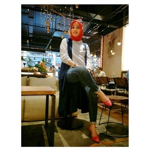 "Note to self : ""Take time to make your soul happy"" ..#clozetteid #DYStyle #ootdhijab #bloggerstyle#lookbook #lookbookindo #fashion #jakarta #bermvda"
