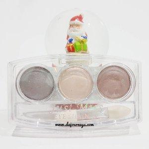 Sudah baca review terbaru di www.dajourneys.com ? Kali ini saya membahas eyeshadow murah meriah dari @justmiss_id yang terdiri dari 3 warna dan dibandrol dengan harga kurang dari 20K. Pigmented ga? Powdery ga? Baca lengkapnya di blog ya 😍  #ClozetteID #instabeauty #indonesiablogger #indonesiabeautyblogger #bloggerBDG #bloggerlife #bloggerbandung #bloggerindonesia #beautyblog #beautyblogger #beautybloggers #beautybloggerbandung #beautybloggerindonesia #bblogger #bbloggers #bbloggerslife #BloggerPerempuan #like4like #follow4follow #followforfollow #likeforlike #likeforfollow #TribePost #StarClozetter #ClozetteStar
