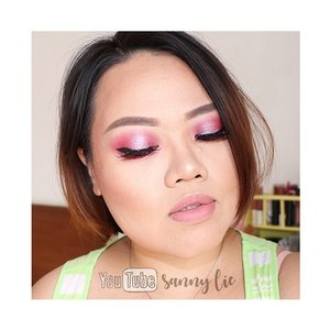 Maksud hati mau share tutorial cara bikin bibir rounder kaya di post sblm ini, apa daya kutakbisa ngedit.. jarak 5centi aja ditangisi sama elle.. masih demam doi 😢 doain ya semoga elle cepat sembuh dan kembali ga bisa diem. Sebagai gantinya biar ada postingan yg informatif aku share products used on this look aja ya. THE COMPLEXION (ter cucok meong untuk mengatasi kulit berjerawat, banyak acne scars, dan kering macamku) Primer @makeoverid hydrating serum Foundation @catrice.cosmetics HD Liquid Coverage shade warm beige Contour @lagirlindonesia Pro Conceal shade toast Concealer @wardahbeauty double function kit Bedak @marckscosmeticind tabur putih  Eyemakeup: Alis @ultimaii_id retracable pensil  Eyeshadow pake Focallure yang Bright Lux beli di @raya_beauty  eyeliner @wardahbeauty hi optimum black liner (my holygrail banget) eyelashes @biellelash yang Lilac . . Lipstick @pixycosmetics lip cream yang delicate pink . . Bronze, Blush, Highlight pake @makeuprevolution Iconic shade Golden . . #beautybloggerindonesia #fotd #makeupoftheday #lookoftheday #boldmakeup #funmakeup #glamourmakeup #clozetteid #glowingmakeup #strobingmakeup #nudelipstick