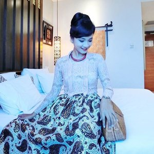 Good Morning!  Start the day with smile and full of confidence. You never know how God will say hello to you today.. My Javanese Princess outfit for Puput's wedding detail already up on my blog! You may click bit.ly/JavanesePrincess to catch up!  Have a great 1st day back to work, everyone 😘🌻 #sofiadewifashiondiary #sofiadewico #batikchic #batikmodern #javaneseprincess #houseofkitsu #ootd #ootdindo #wearitloveit #lookbookindonesia #casioind #clozette @clozetteid #clozetteid #clozetteambassador #clozettegirl