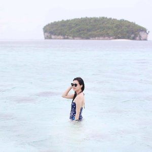 Lets find some beautiful place to get lost ⛱🏖🏝 #TravelWithJeanMilka #JeanMilkaInRajaAmpat