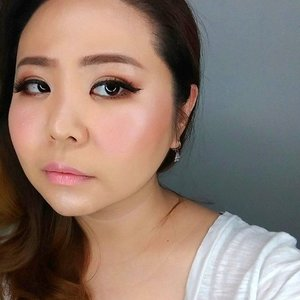 😎 . . .  #makeupartistworldwide #muajakarta #belajarmakeup #makeupartistjakarta #bblogger #makeupforever #wakeupandmakeup #hudabeauty #beautyaddict #makeupaddict #undiscoveredmuas #beautyblogger #maquiagem #dressyourface  #universodamaquiagem_oficial #brian_champagne #lookamillion #universodamaquiagem #kelasmakeup #auroramakeup #maryammaquiallage #theresiafeegy  #benefitcosmetic #makeupbyme  #asiangirl  #sephoraidn #photooftheday #makeuplover #makeupoftheday #clozetteid