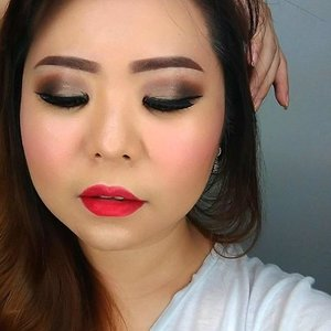 Trying out the new @makeoverid Eyeshadow Palette + @maccosmetics ruby woo . . .  #makeupartistworldwide #muajakarta #belajarmakeup #makeupartistjakarta #bblogger #makeupforever #wakeupandmakeup #hudabeauty #beautyaddict #makeupaddict #undiscoveredmuas #beautyblogger #maquiagem #dressyourface  #universodamaquiagem_oficial #brian_champagne #lookamillion #universodamaquiagem #kelasmakeup #auroramakeup #maryammaquiallage #theresiafeegy  #benefitcosmetic #makeupbyme  #asiangirl  #sephoraidn #photooftheday #makeuplover #makeupoftheday #clozetteid