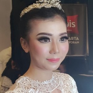 May your life be as pleasant as you are 😎 get it? Products used on the prev post. Sowwie blur.  #makeupartistworldwide #muajakarta #belajarmakeup #makeupartistjakarta #bblogger #makeupforever #wakeupandmakeup #softmakeup #bridalmakeupjakarta #makeupaddict #bridalmakeup #beautyblogger #inspirasipengantin #pengantinindonesia #universodamaquiagem_oficial #weddingku  #makeuppengantin  #preweddingmakeupjakarta #kelasmakeup #jasamakeup #inspirasimakeuppengantin #theresiafeegy  #jasamua #bridalindonesia  #sephoraidn #preweddingjakarta  #carimakeupartist #makeupoftheday #clozetteid #jakartawedding