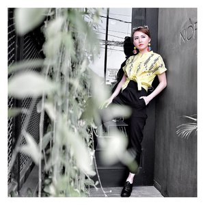 Shine brightly 🌻 Yellow shirt from @snqclothing . . #LYKEambassador #LYKE_ViciSienna #LYKEShopMyStyle #ClozetteID