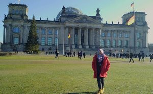 One chilly sunny day in front of Berlin Reichstag Building . . . #Berlin #reichstagbuilding #wheningermany #germany #deutschland #winter #wintertrip #europe #exploreeurope #visiteurope #eurotrip #clozetteid #IndonesianFemaleBloggers #bloggerceria #traveling