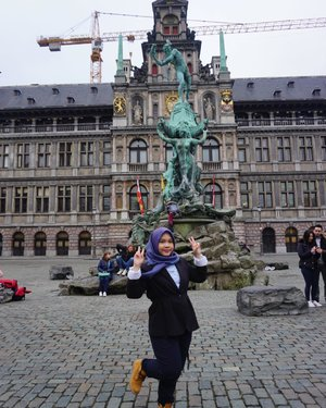 Let's start this week with new spirit!..#clozetteid #wheninbelgium #eurotrip #throwback #antwerp #indonesianfemalebloggers