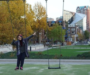 Swing it babe . . . . . #Rotterdam #netherlands #europe #eurotrip #studidibelanda #herfst #autumn #fall #park #swing #sonya5100 #IndonesianFemaleBloggers #clozetteid