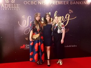 Attending Sparkling Surabaya event by @ocbc_nisp and @adellejewellery to support @ellysagita 😄  #sparklingsurabaya #ocncnisppremiere #adellejewellery #event #fashionshow #surabaya #jayanata #eventsurabaya #surabayaevent #clozetteid #clozettedaily #beautynesiamember #sbybeautyblogger #bloggerceria #blogger #bblogger #bbloggerid #influencer #fashion #beauty #beautyblogger #girls #asian #beautyinfluencer #indonesianblogger #surabayablogger #indonesianbeautyblogger