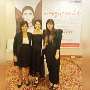"Attending @emdeeclinic media gathering and launching of their ""MD Dracula V Lift"" that combines maxi thread lift with PRP for the maximum result 😊  #emdee #emdeeevent #emdeeclinicsurabaya #emdeeclinic #emdeeclinicsby #mediagathering #launching #treatmentlaunching #masqueradeparty #blogger #bblogger #bbloggerid #event #beautyevent #beautyblogger #indonesianblogger #indonesianbeautyblogger #surabaya #surabayablogger #surabayabeautyblogger  #clozetteid #clozettedaily #ladies #asian #influencer #beautyinfluencer #surabayainfluencer #influencersurabaya"