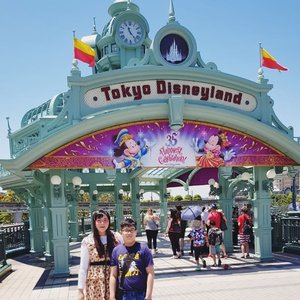Took Little O to Japan Disneyland but to be completely honest i was not that impressed 😄, i prefer Disney Sea anytime!  #disneyland #japandisneyland #disneylandjapan #tokyodisneyland #pinkinjapan #pinkinjapan #japantrip2018  #pinkholiday #pinkjalanjalan #jalanjalan #clozetteid #sbybeautyblogger #beautynesiamember #bloggerceria #traveltheworld #itchyfeet #wanderer #traveler #blogger #influencer #travelblogger  #lifestyleblogger #citizenoftheworld  #funtime #semicharmedlife #lifewelltraveled #japan #family  #familytrip #mommyandson