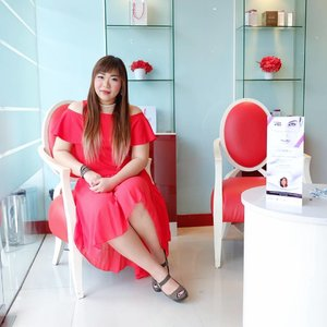 Dressed in red yesterday at @esl_euroskinlab 's afternoon soiree to learn about their newest treatment IBFT, which is the revolutionary botox treatment without injection!  #euroskinlab #newtreatment #skinclinic #esl #esc  #womanblitzpartner #eslevent #eslanniversary #eventsurabaya #infosurabaya #surabayaevent #blogger #bblogger #bbloggerid #beautyblogger #event #beautyevent #clozetteid #sbybeautyblogger #bloggerceria  #aestheticclinic #girl #asian #influencer #beautyinfluencer #eventsurabaya #beautyclinic #treatment #ootd #dressedinred