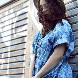 Blown' away.. 💙 #fashioninspo #fashioninspiration #fblogger #fblog #JenniferBachdim #blownaway #OOTD #streetstyle #styleblogger #styleblog #hm #denim #fashionblogger #fashionblog Don't forget to follow me @clozetteid sweeties #clozetteid #ClozetteAmbassador #jenniferbachdimxclozetteid