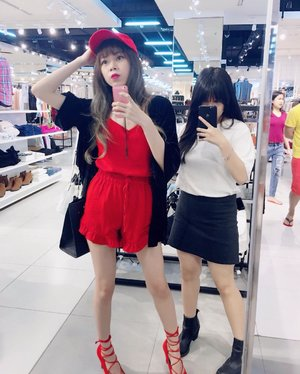 With le 'lil sis ,  The one behind all my candid pic lol 😂 . . . . . #motd #ootd #red #asian #clozette #clozetteid #wiw #makeup #potd #candid #sis #styleblogger #asianblogger #whatiwear